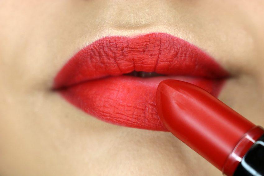 come truccare le labbra