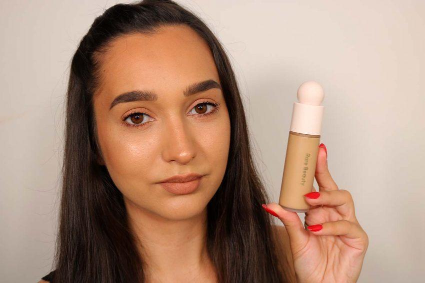 Recensione Fondotinta Rare Beauty liquid touch